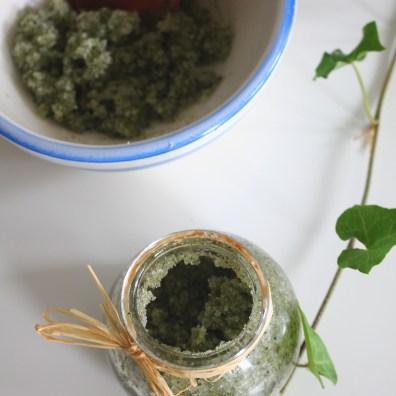 gommage aux plantes