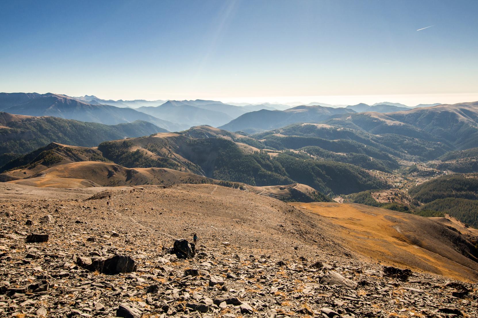 Chemin pour le mont Mounier