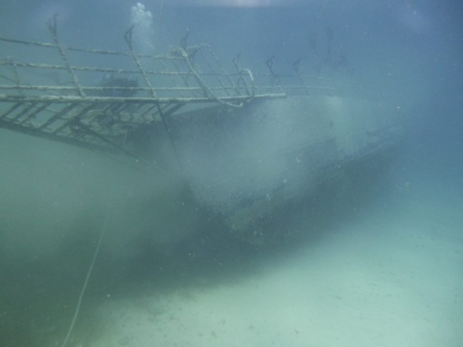 wreck hitting bottom of sea