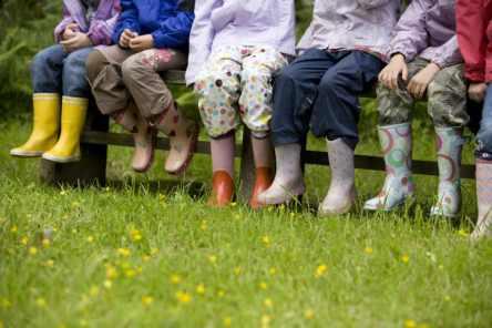 Schoolchildren on the Guardianship scheme visit the Footprint Building at St Catherine's in Windermere, Cumbria.-nature-comportements