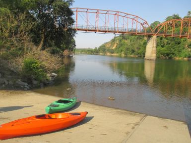 kayaks, Fair Oaks Bridge, American River, water, morning, fishing, Canada Geese