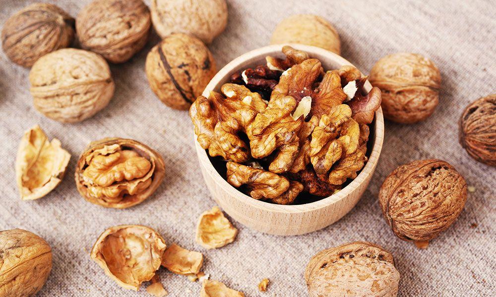 manger des noix chaque jour augmente la qualité du sperme et la quantité de spermatozoïdes