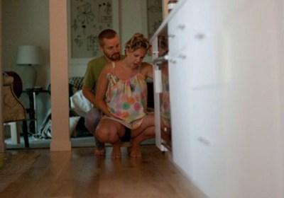 Delphine raconte son accouchement à domicile en plein déménagement