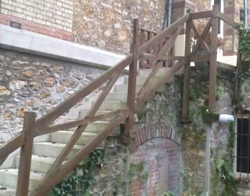 Garde corps bois sur escalier en pierre, photos avant