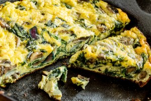 Crustless Kale and Bacon Keto Breakfast Quiche