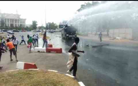 AGAIN: 1 Killed, Several Injured As Police, Shi'ites Clash In Abuja