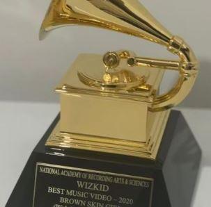 Wizkid shows off his Grammy award