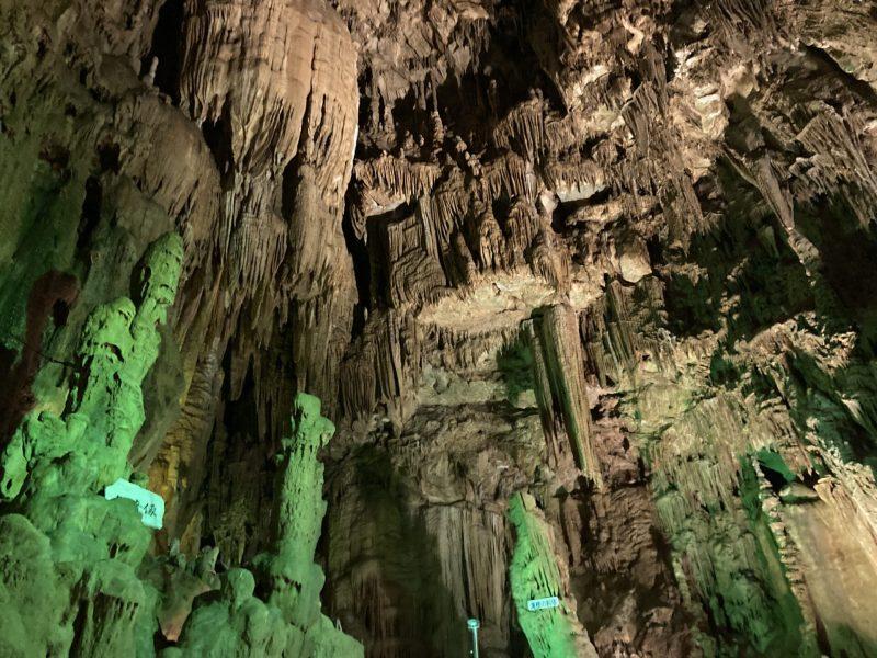 自然が作り出した洞窟