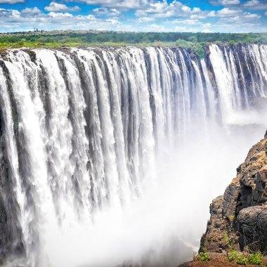 Victoria-Falls-(3)