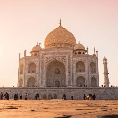 Taj-Mahal,-India