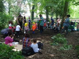 Knights Hill Wood Capital Clean Up 27-6-16 Lambeth London pratcial nature conservation Home education free activity