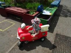 Pre-school free activity Lollard St Adventure Playground Kennington Lambeth London-8
