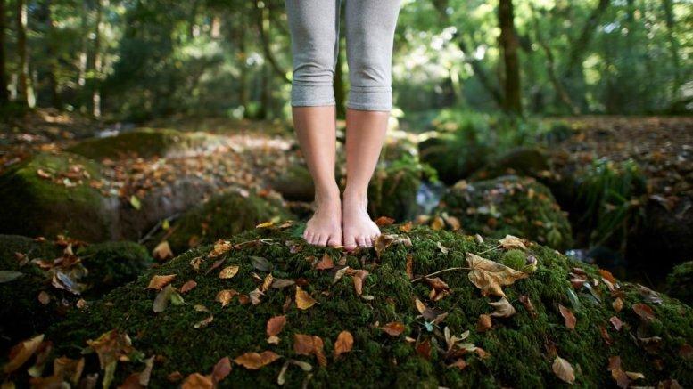 mejores remedios naturales para los hongos en los pies