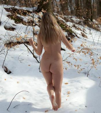 naked in forest, nude in snow