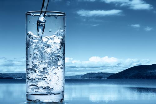Le choix de l'eau distillée comme eau de boisson