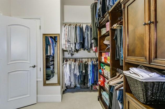 closet-4572626_960_720.jpg