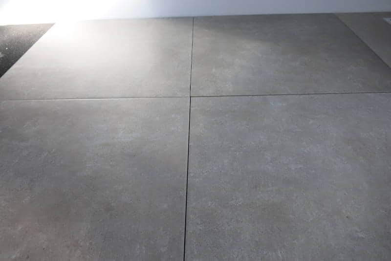 Betonoptik Fliesen in Grau 615 x 615 Keramik