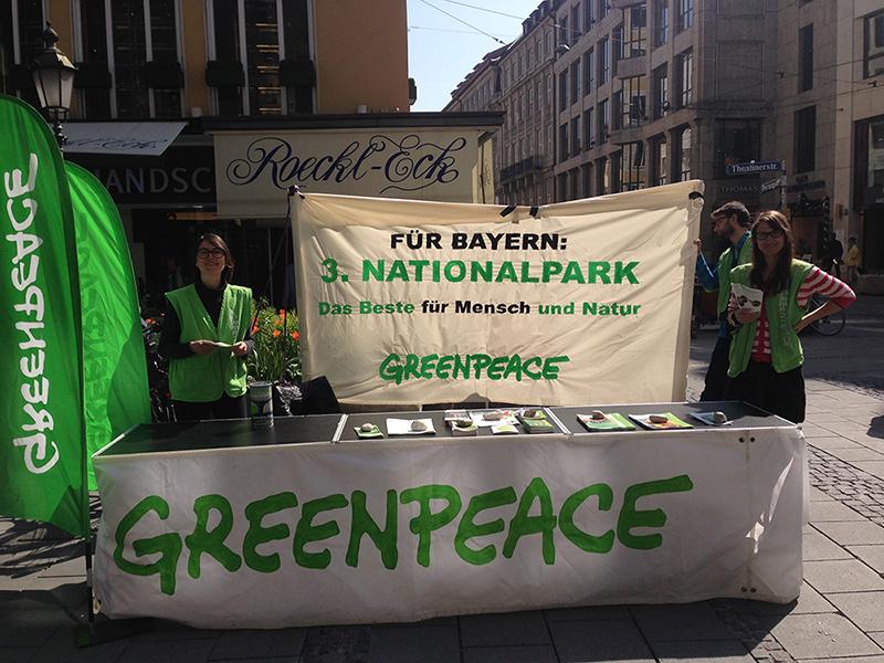 Greenpeace Infostand in München