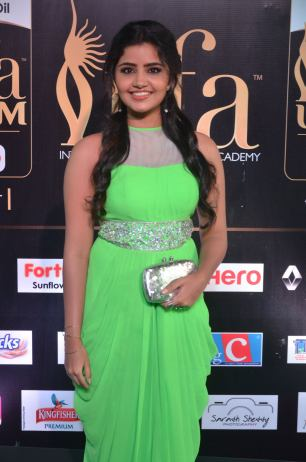 anupama parameswaran hot at iifa 2017DSC_01620037