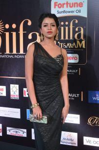 bhavya sri hot at iifa awards 2017 DSC_14830537