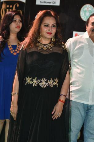 celebrities at iifa awards 2017 HAR_58380033