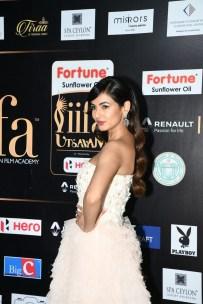celebrities at iifa awards 2017 MGK_14660036