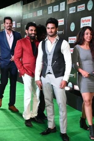 celebrities at iifa awards 2017 MGK_15670011