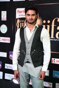 celebrities at iifa awards 2017 MGK_15780022