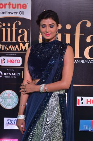 ishitha vyas hot at iifa awards 2017DSC_00780026