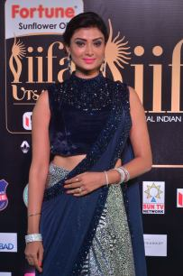 ishitha vyas hot at iifa awards 2017DSC_00940042
