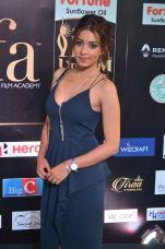 latha hegde hot at iifa 201737