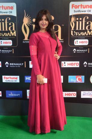 monal gajjar hot at iifa awards 2017DSC_83450042