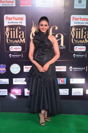 rakulpreetsingh hot at iifa awards 2017DSC_24100025