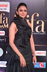rakulpreetsingh hot at iifa awards 2017DSC_24270042