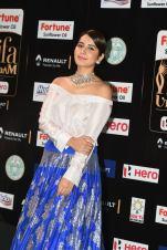 rashi khanna hot at iifa awards 2017MGK_08960036