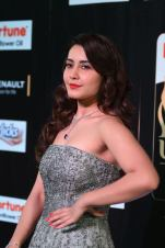 RASHI KHANNA hot at iifa awards 2017MGK_17220042