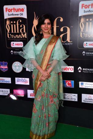 samantha hot at iifa awards 2017HAR_60390007