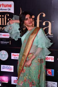 samantha hot at iifa awards 2017HAR_60550023