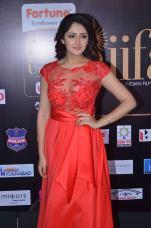 sayesha saigal in red at iifa awards 2017DSC_65430020