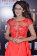 sayesha saigal in red at iifa awards 2017DSC_65570034