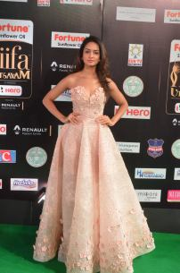 shanvi srivatsav hot at iifa awards 2017 DSC_17520803