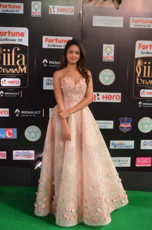 shanvi srivatsav hot at iifa awards 2017 DSC_17790830