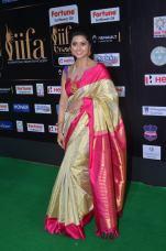sneha in saree at iifa awards 2017DSC_68400011