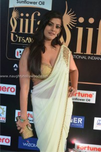 varalakshmi sarathkumar hot at iifa awards 2017DSC_82100036_wm