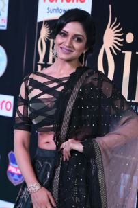 vimala raman hot at iifa awards 20172