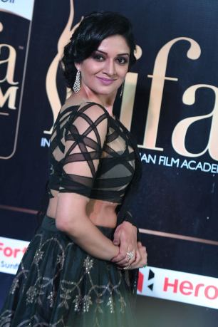 vimala raman hot at iifa awards 201726