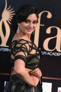 vimala raman hot at iifa awards 201748