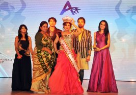 Celebrity Jury members with winner Ruchi Narula at the finale of 'ARF Mrs. India 2017' Beauty Pageant was held at Sahara Star, Mumbai