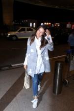neha dhupia spooted at airport IMG_3527