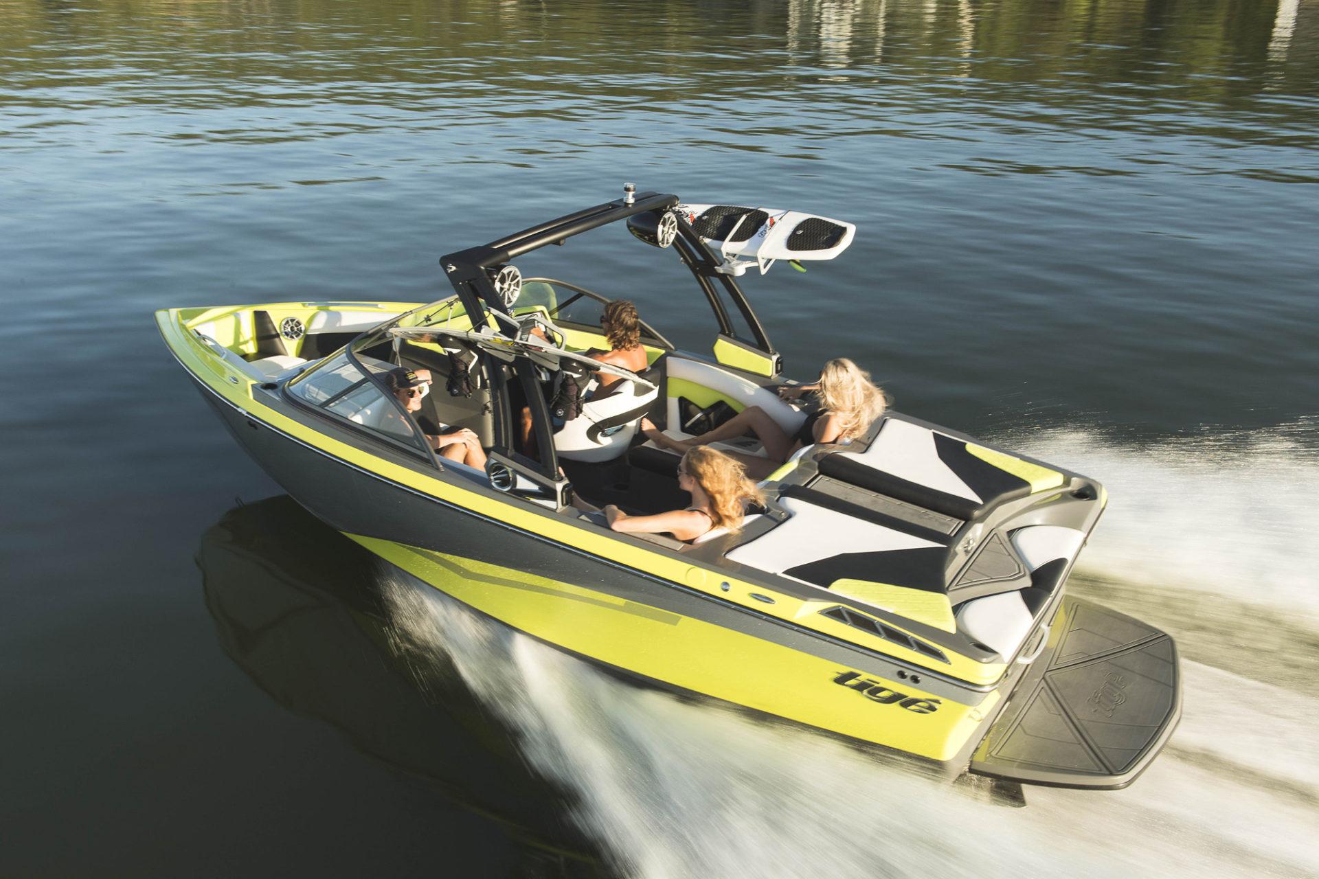 BOAT 11  2019 TIGE R21  PLATINUM LEVEL  Lakeway Boat Club